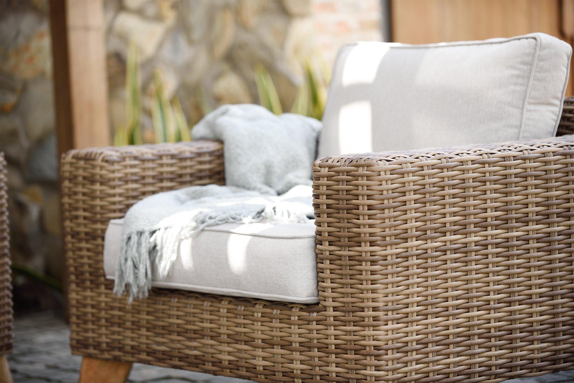 Tonos pastel para los muebles de terraza y jardín