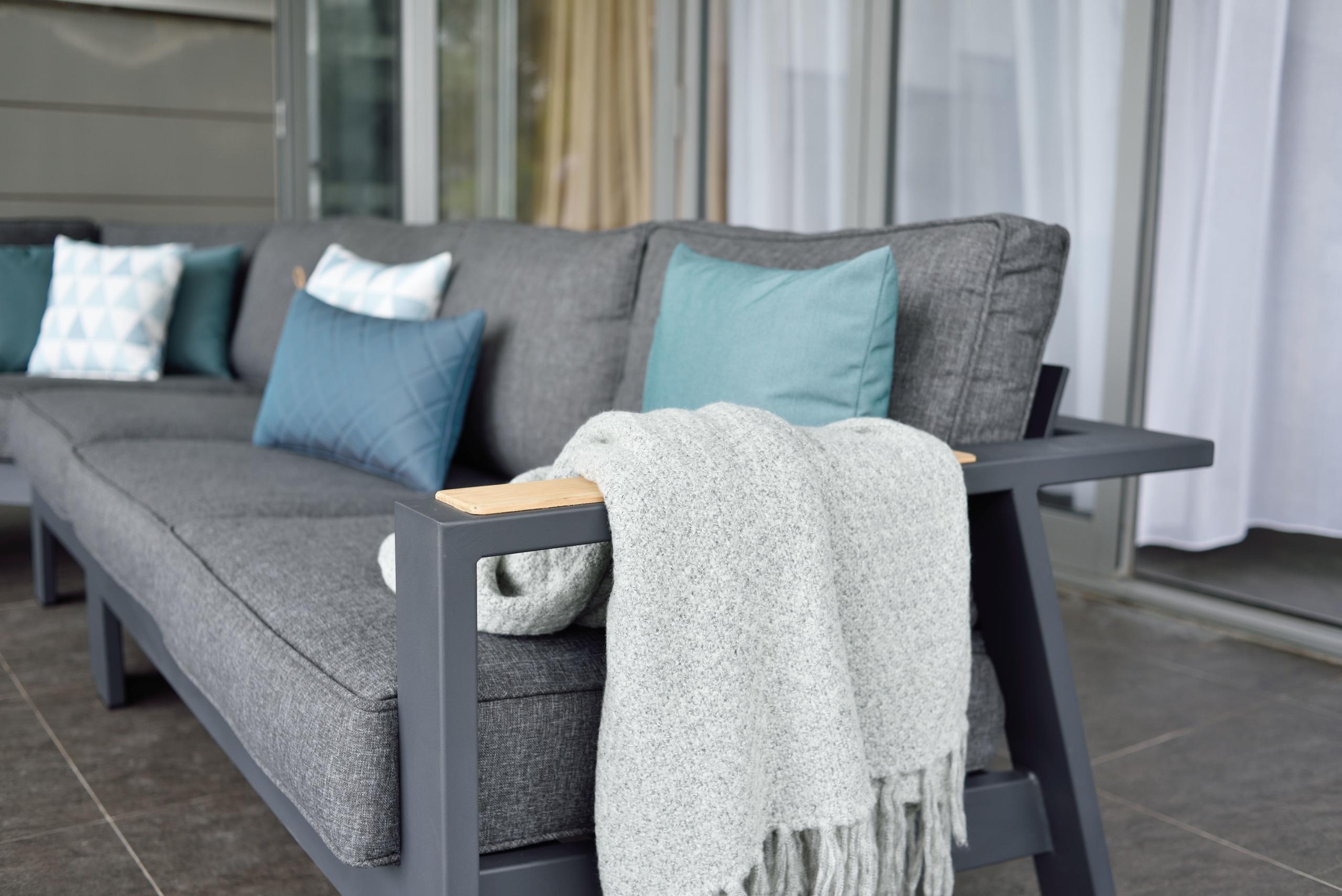 Consejos para sacar el máximo partido a tus muebles de exterior